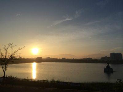 狭山池の朝日