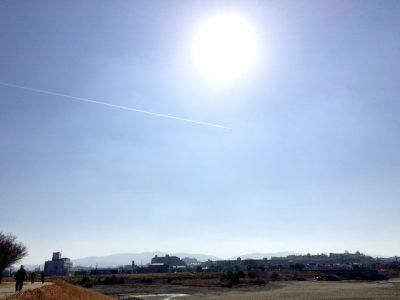 狭山池飛行機雲