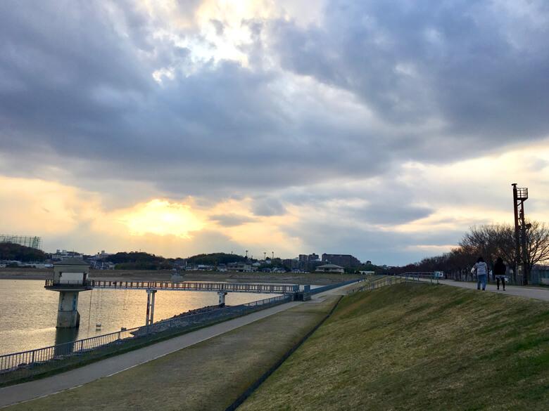 雲もくもく、夕日ピカーンだポン(*^ω^*)