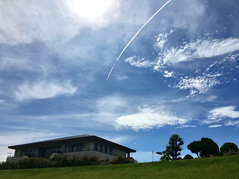 飛行機雲、ビョーンだポン☆ε =ヘ(*゚∇゚)ノ