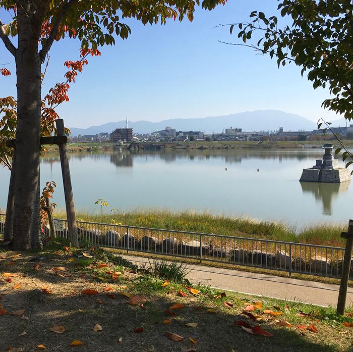 狭山池の秋色