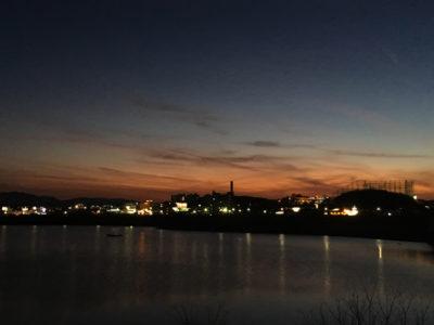 狭山池冬の夕日