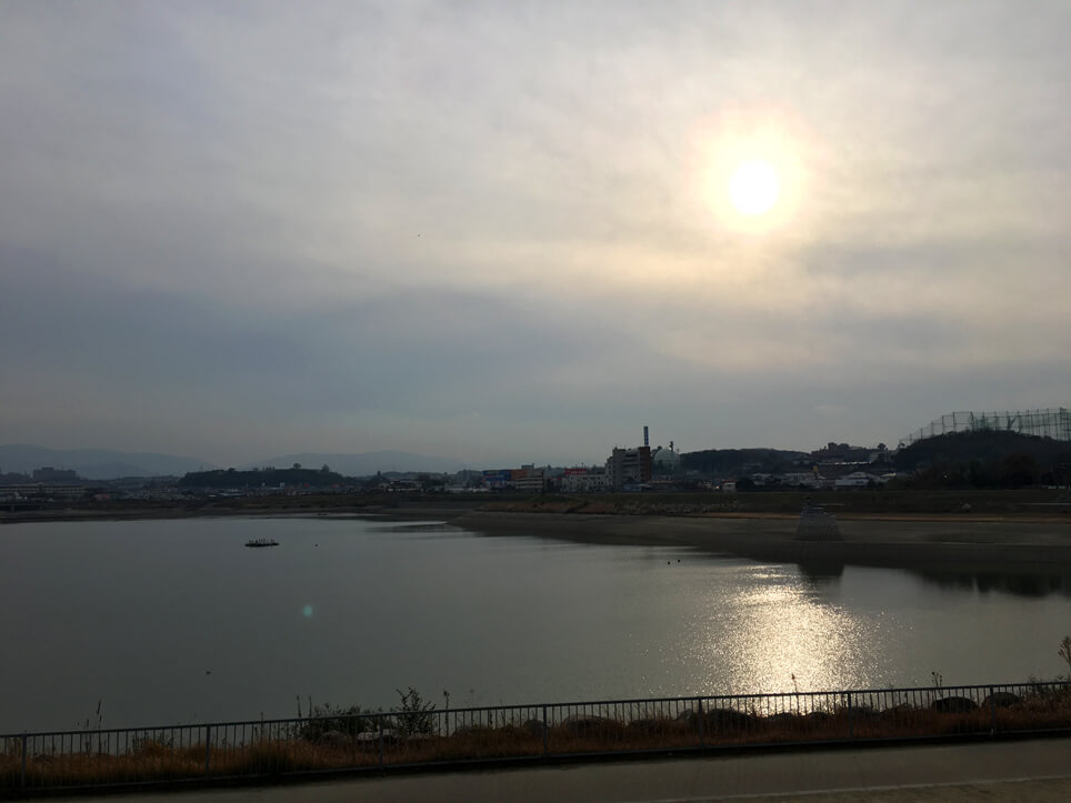 曇り空、ふんわり太陽だポン☆ 狭山池まぶしいポ〜ン☆