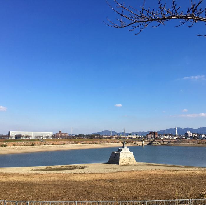狭山池の青い空