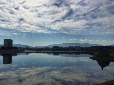 狭山池の水鏡