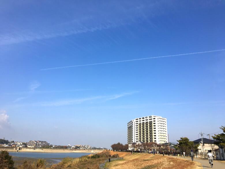 飛行機雲見っけだポーン☆