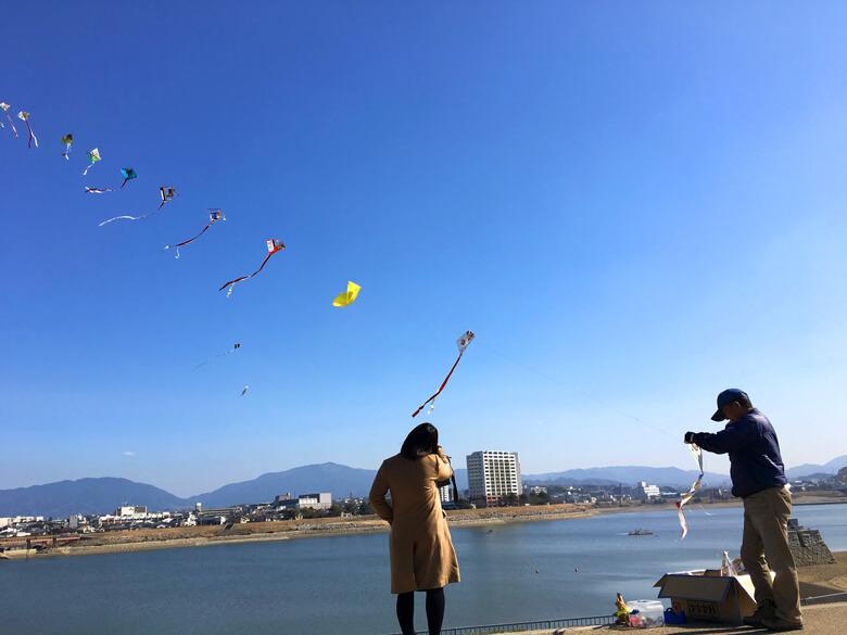 青い空に凧がポーン☆
