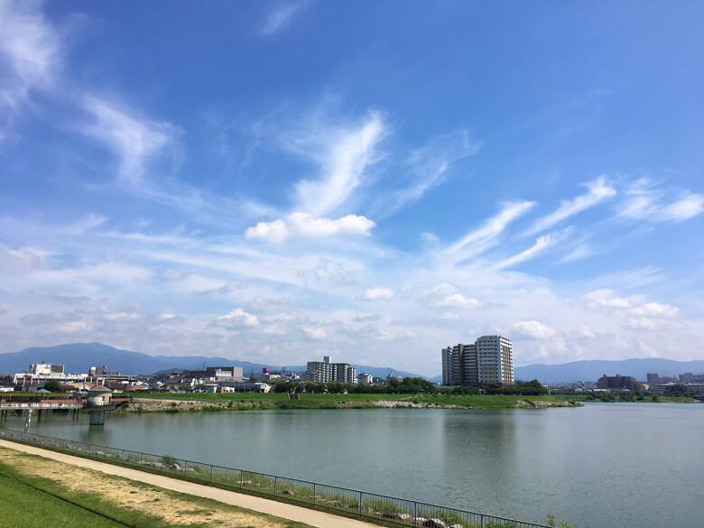 青い空に雲キレイだポン☆