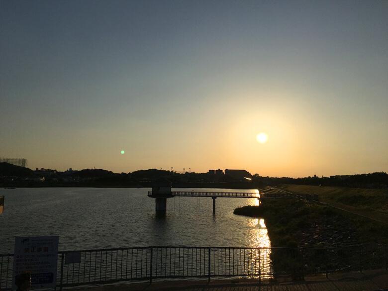 夕日がピカーン☆だポン♪
